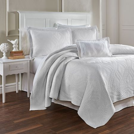 SUZI Coverlet_Traditions Linens